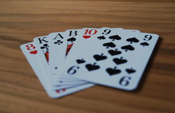 Learn Tips, Tricks And Strategies To Outperform At Online Card Games